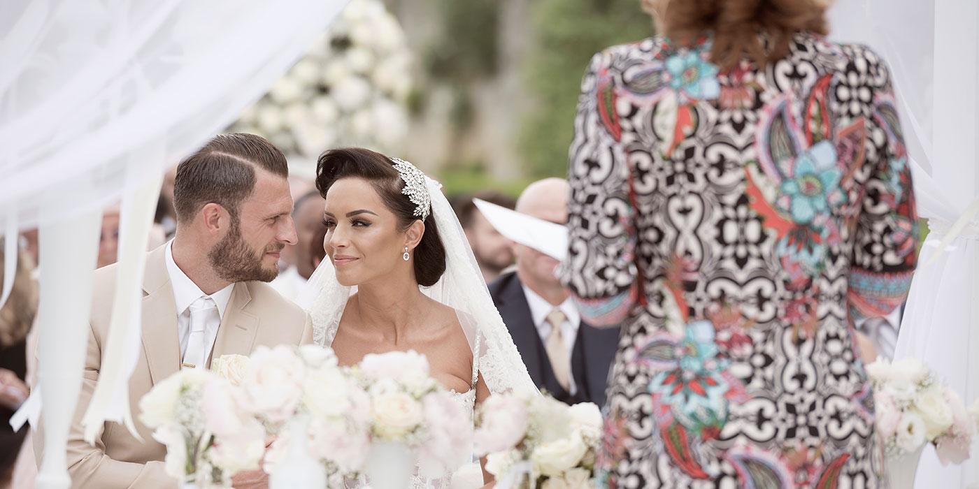 Pauline Suidgeest - Ceremony Speaker and Wedding Celebrant, English
